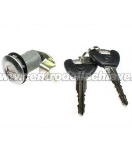 serratura porta Mazda 121 - D06176210G
